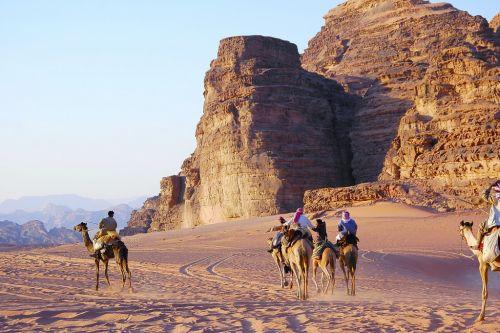5680-約旦-瓦地倫-駱駝隊.JPG
