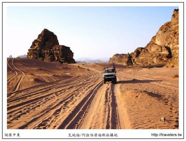 5641-約旦-瓦地倫-吉普車輪胎痕.JPG