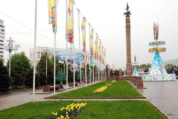 8129--哈薩克獨立紀念碑-旁邊的花圃-blog.jpg