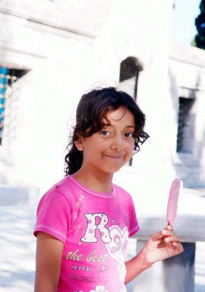 0140-蘇雷曼尼耶清真寺-庭院的小朋友.JPG