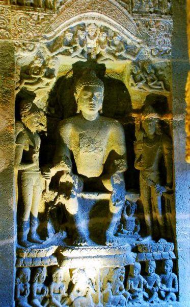 3175-阿姜塔石窟-26號洞窟室內牆壁雕像.JPG