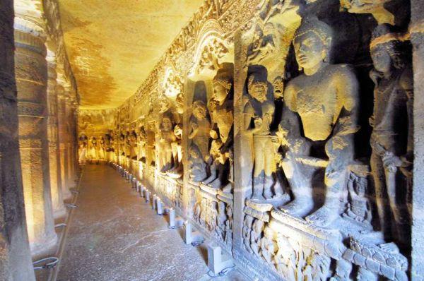 3206-阿姜塔石窟-26號洞窟室內牆壁雕像.JPG