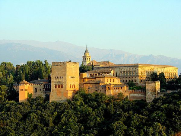 800px-Vista_de_la_Alhambra.jpg