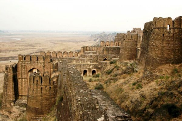 006_fort-de-rohtas_theredlist.jpg