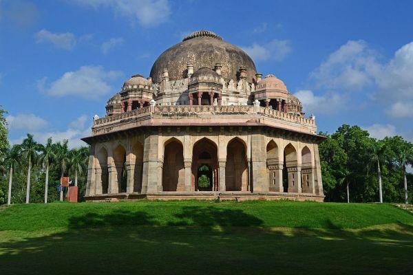 1280px-Tomb_of_Mohammed_Shah_(Lodhi_Garden).jpg