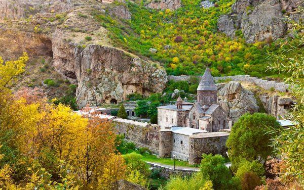 geghard_monastery_jpg_88385.jpg