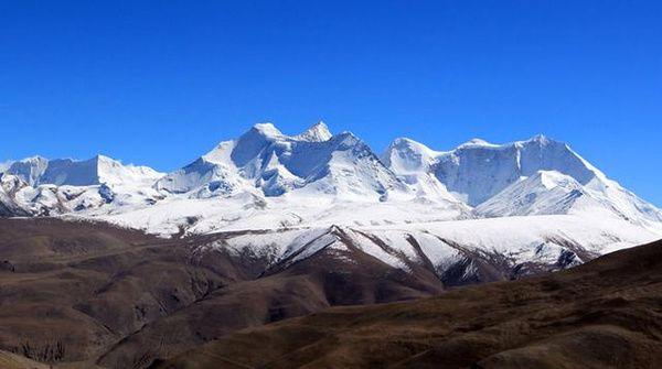 2雅拉香布雪山.jpg