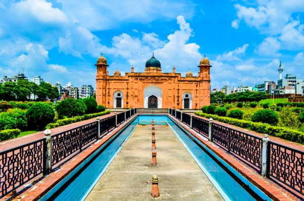 Awesome_look_of_Lalbagh_Fort.jpg