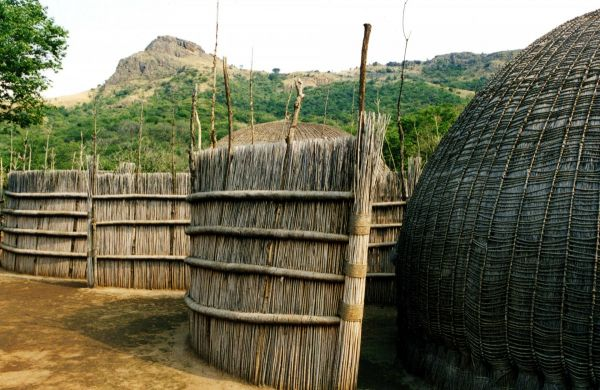 Swaziland_-_Traditional_homes.jpg