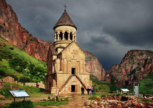 noravank_monastery_armenia_jpg_86752.jpg