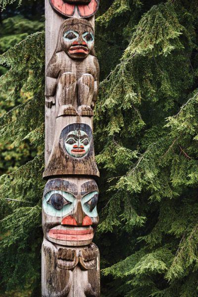RU_2016_0904_PN_Totem_Pole_Alaska_Pine_Trees_0670_CvD_CMYK.jpg
