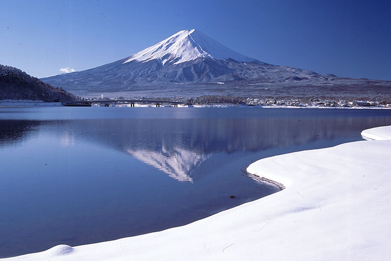 冬之富士山